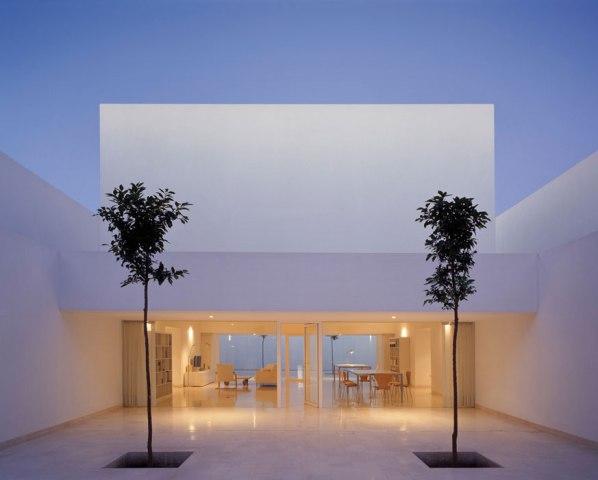 Minimalist-Architecture-Casa-Guerrero-by-Alberto-Campo-Baeza11